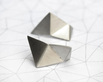 Faceted triangle earrings - Sterling Silver- Geometric jewelry - Folded triangles