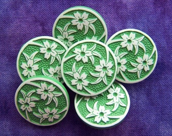 """vintage shank buttons Swirling Lilies on green 3/4"""" x6"""
