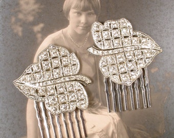 Vintage Rhinestone Leaf Bridal Hair Comb PAIR, Small Silver 1920s Art Deco Autumn Wedding Dress Clips to Hair Piece Hairpiece Fall Jewelry