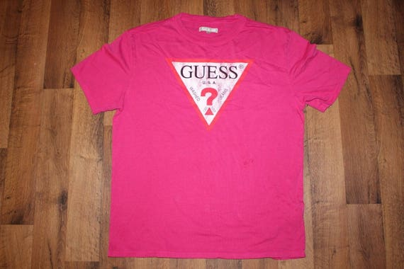90s Deadstock GUESS Spell Out Triangle Logo Short Sleeve T-Shirt Shirt Pink Mens Medium, Vintage Guess Shirt, Guess T-Shirt, Guess Tee Pink