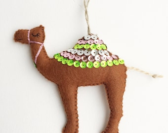 Felt Camel Decoration / Camel Magnet / Christmas Decoration / Party Favour
