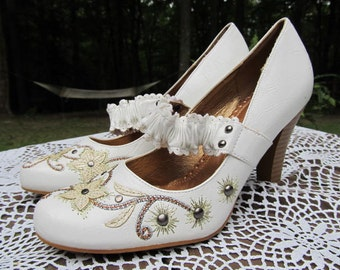 Unique Leather Leather Mary Jane Shoes with Flowers