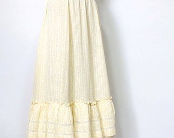 1890's 1900's Bustle Skirt Prairie Style Cotton Gossimer Ruffle Homestead Country Walking Skirt Size Extra Small