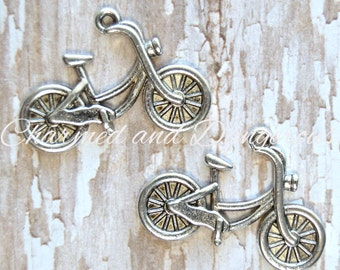 10 pewter Bicycle charm (CM87)