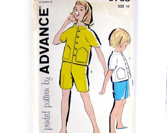 1960s Girls Shorts and Top with Stand Up Collar / Vintage Sewing Pattern / Advance 9768 // Size 10 // UNCUT FF