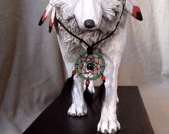 Wolf (statue, sculpture) - totem animal