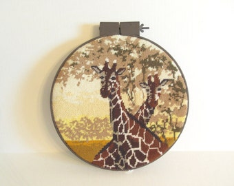 Vintage needlepoint, hoop needlepoint, giraffe art, animal needlepoint, wall decor, wall hanging, framed needlepoint, jungalow decor
