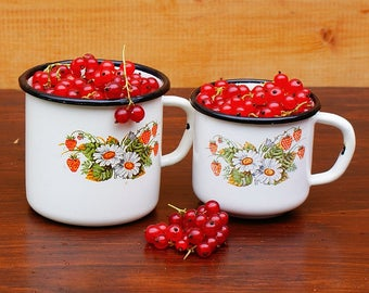 Cute enamelled mugs image Vintage kitchen Antique mug Home decor Rustic style Vintage mugs Metal white mug Set of 2 White mug Chamomile