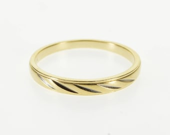 10k Diagonal Groove Patterned Graduated Band Ring Gold