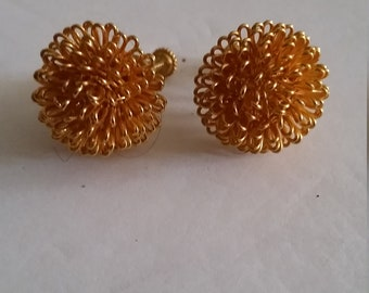 Napier Vintage Gold Tone Mum Flower Screw Back Earrings