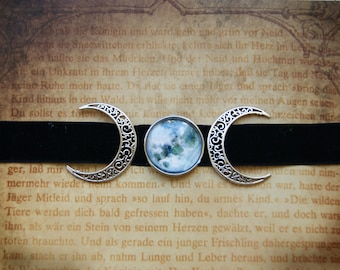 Triple Moon Choker