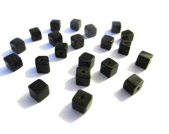 20 square black glass beads 4mm