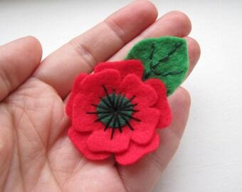 Small Poppy Brooch, Christmas Poppy Brooch, Felt Flower Pin With Leaf