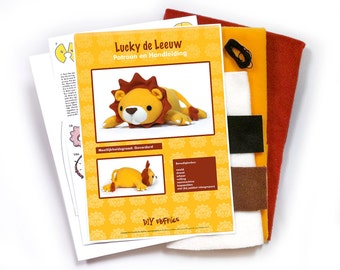 Lucky Lion soft toy sewing kit