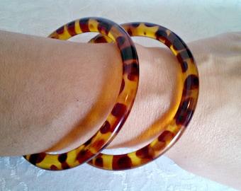 Vintage Bangle Bracelets, Set of 2, Faux Tortoiseshell Design, Amber Lucite, Mid Century, Circa 1960s, Includes Gift Box