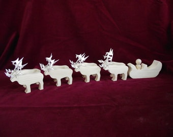 Santa, Sleigh and Reindeer: Unfinished Pine