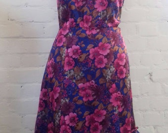 Pink floral vintage dress from the 1960's - M/L