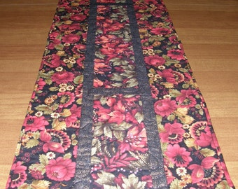 Quilted Table Runner Red Black , Red Black Quilted Table Runner Quilt Fall, Quiltsy Handmade, Red Floral Runner, Fall Table Runner Quilt