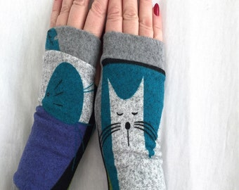 Short fingerless   gloves Gray сat and mouse