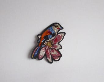 Bird iron on patch, Bird patch, Iron on bird on a flower patch, Bird applique embroidered patch, Bird sew on patch