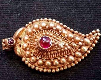 Elegant Crafted Sacred Amulet Antique Ruby 18K Genuine Gold Leaf of Life Pendant