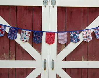 Patriotic banner bunting garland red white blue holiday Independence Day Fourth of July retro mod modern