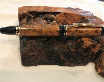 Incredible Churchill Style Thuya Burl Fountain Pen       ( 1508 )