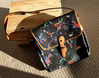 Vintage Mazzini black leather satchel shoulder bag circus print tan detail made in Italy