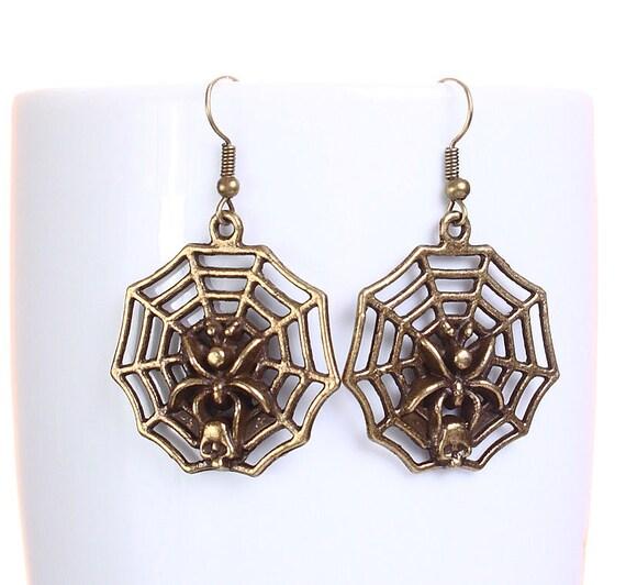 Antique brass spider web dangle earrings (615)