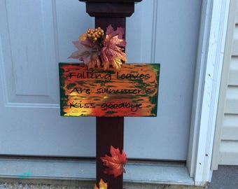 Fall decorative post