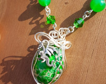 Dragon Egg Green Agate Wire Wrap Jade Necklace