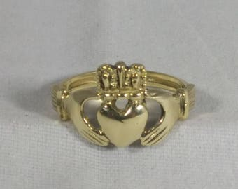 10kt Yellow Gold Vintage Claddagh Ring