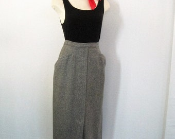 Pencil Skirt 50s Vintage Gray Wool, Straight Tight Wiggle Skirt, Hip Pockets, Metal Zipper, Kick Pleat, College Town, Rockabilly, Waist 25