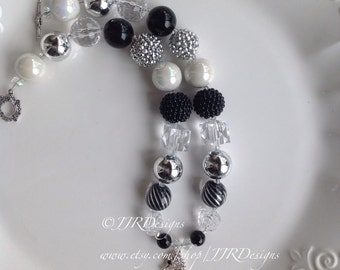 Seahorse Black and White Necklace- Elegant Seahorse Black and White Chunky Necklace- Seahorse White and Black Necklace