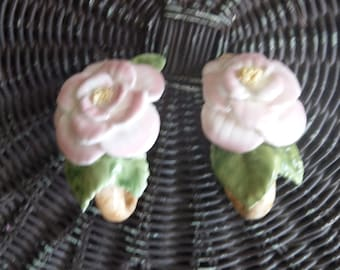 Floral ceramic wall hooks - set of two