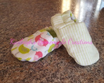 Flannel Reversible Baby Shoes Coral Chevron Tweet Birds | Green | Girl | Crib Shoes | Booties | Baby Slippers | Soft Sole | Ready to Ship