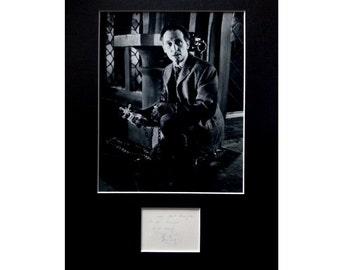PETER CUSHING AUTOGRAPH photo display Dracula