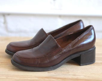 etienne -- vintage 80s etienne aigner leather loafers with chunky heels size 5 1/2