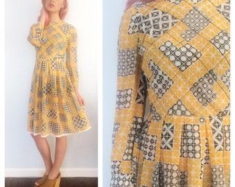 Vintage 70s Yellow Geometric Pleated Midi Dress