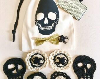 Halloween Party Favor Bag, Gift Bag, Crochet Kit, Crochet Skulls, Spider Flowers, Gold Glitter, Crochet Skulls, Party Bags