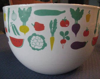 Kaj Franck Finland Arabia Enamel Bowl, Fruit & Vegetable Design. Vintage 1960s Mid-Century Modern, retro design. Mixing, Salad, Serving Bowl