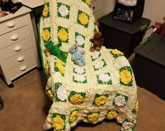 White and Yellow Roses Afghan