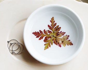 Red and Green Fern Ring Dish, Ceramic Ring Dish, Botanical Gift, Birthday Gift, Jewelry Holder, Engagement Gift