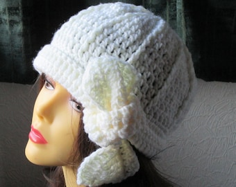 Crochet ladies flapper style cloche hat with tie.