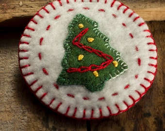 Christmas Series: Christmas Tree - Green wool with Embroidered Trimmings