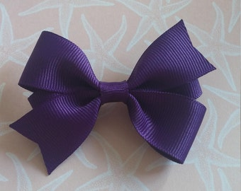 Purple Girls Hair Bow, hair accessories, purple hair clips, toddler hair bows, baby hair bows, purple favors, party favors, cute bows