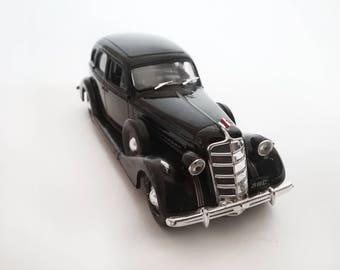 scale car ZIS 101