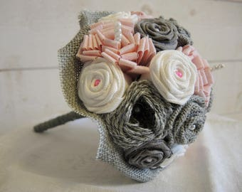 Your grey-white-pink bridal bouquet