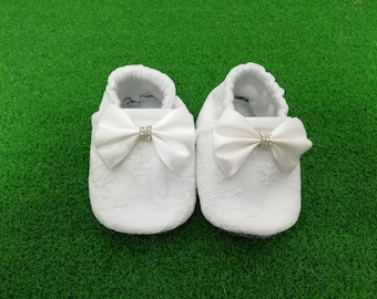 White Lace Baby Shoe Toddler Booties Newborn Slippers  Soft Soled Crib Shoes