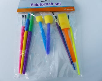 set of 10 brushes paint all different round Moss children